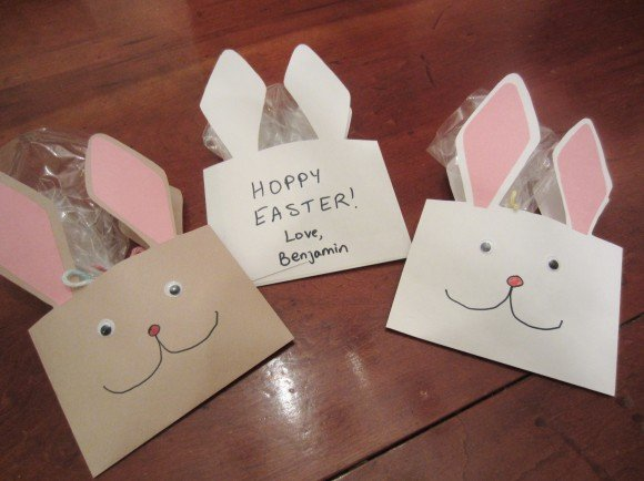 homemade envelope bunnies to make with your kids for Easter