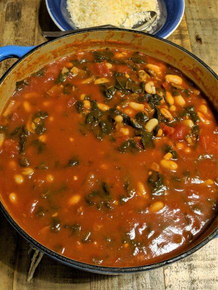 Hearty Tomato, Kale & Bean Soup